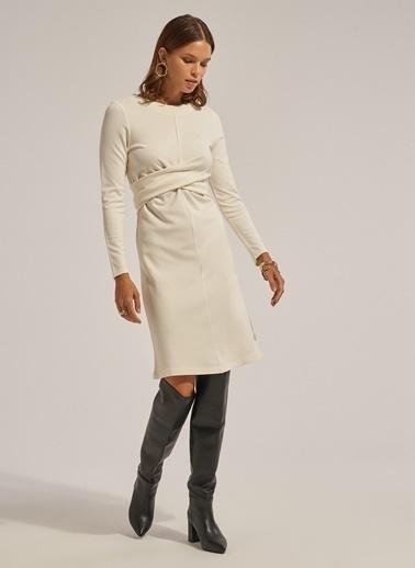 Monamoda Çapraz Bağ Detaylı Örme Elbise Ekru